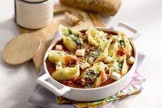 Conchiglioni zijn Italiaanse pastaschelpen die je kan vullen, in dit geval met een heerlijke kaasmengeling. In combinatie met groentjes een perfecte o...