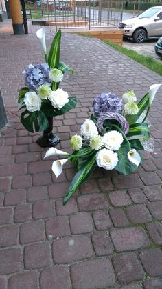 Funeral Flower Arrangements, Beautiful Flower Arrangements, Funeral Flowers, Floral Arrangements, Beautiful Flowers, Cemetery Flowers, Deco Floral, Flower Fashion, Flower Bouquet Wedding