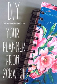 DIY planner from scratch - - Why not to transform the hours of the quarantine lockdown into something really helpful and change your life, starting with a girly DIY planner? Daily Planner Pages, Happy Planner, Planner Diy, Life Planner, Planner Ideas, Planning And Organizing, Planner Organization, Diy Notebook, Journal Notebook