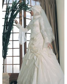 d8e678fedf9 bautiful A-Line Rouched Skirt with Elegant Embroidery Hot Sell Muslim  Wedding Dr. - Wedding and Gowns. Robedemariages · Robe de mariée musulmane