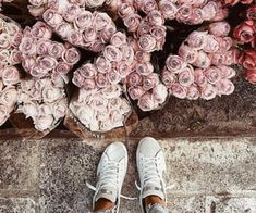 Spring spring blooms and spring styles on We Heart It Beautiful Girl Makeup, Beautiful Hijab, Motifs Aztèques, Muslim Women Fashion, Gold Aesthetic, We Are The World, Spring Blooms, Cute Couples, Flower Power