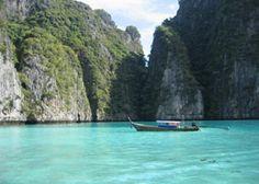 Kho Phi Don, Thialand (This looks like straight paradise to me...too bad its so far!)