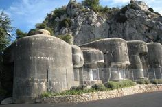 Not a pretty picture, but the promised Fort which is part of the Maginot Line. The Maginot Fort in Sainte Agnès was built in Solidly . Bunker Hill Los Angeles, Bunker Hill Monument, Doomsday Bunker, Battle Of Britain, Fortification, Modern History, Military History, Ww2 History, Places Around The World