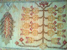 #handmade #handmaderugs #carpet #home #design #homedesign #woven #artisan #artistry #beauty #flowers #natural