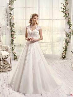 Robes de mariée Mademoiselle Amour, modèle Mlle Pashmina http://www.pronuptia.com/fr