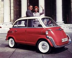 BMW 600 Four-stroke, engine. Sold well in America where it was fitted with sealed beam headlights and larger bumpers to conform to safety regulations. Bmw Isetta, Microcar, Miniature Cars, Bmw Classic Cars, City Car, Small Cars, Bmw Cars, Amazing Cars, Vintage Cars