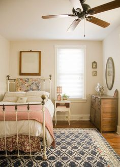 navy and pink guest bedroom