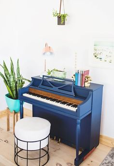 14 DIYs to Add Blue to Your Home Decor | Apartment Therapy