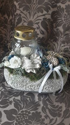 Ikebana, Fall Decor, Diy And Crafts, Decorative Boxes, Projects, Home Decor, Graveyards, Fake Flowers, Crowns