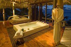 Private Island Seychelles - the bath