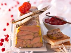 Découvrez la recette Terrine de foie gras aux épices et chutney de tomates sur cuisineactuelle.fr.