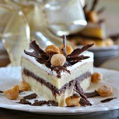 Vanilla Buttercream Frosting with White Vanilla Bean Cake