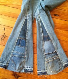 Bell Bottoms Patch Worked Denim Jeans Custom Made Mens Jeans Womens Jeans Children Jeans - Men Jeans - Ideas of Men Jeans - Mode: Broek Rok Broekrok Broek-Jeans Trousers-Pants Denim Outfits, Mode Outfits, Denim Fashion, Denim Jeans, Image Mode, Mode Jeans, Creation Couture, Recycled Denim, Diy Clothes