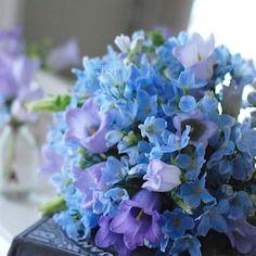 Comme la mer bleue  まだ6月なのにすっかり夏!陽射しの眩しさに目が真っ赤です(>_<) そんなときは涼やかなブルーの花のブーケで瞳に優しく♡  #flower #flowers #fleur #floretta #bouquet #blue #instaflower #flowerstagram #フラワー #ブーケ#青い花#花のある暮らし