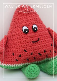 Our goal is to keep old friends, ex-classmates, neighbors and colleagues in touch. Crochet Fruit, Crochet Food, Diy Crochet, Crochet Hats, Lidl, Crochet Dollies, Crochet Cushions, Crochet Patterns Amigurumi, Stuffed Toys Patterns