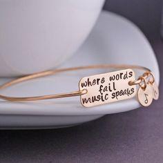Music Speaks Bracelet mostly like the design