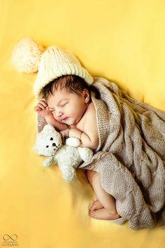 Newborn photoshoot. Фотосессия новорожденного ребенка. #newborn #baby #cute ####детскийфотограф #дети #kids #фотосессиякиев #фотографкиев #фотосессия #детскаяфотосессия #фотограф #kiev
