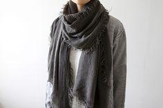 scarf arrangement..MINIMAL + CLASSIC