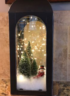 DIY Christmas decorations are fun projects to do with your family and friends. At the same time, DIY Christmas decorations … Christmas Table Centerpieces, Diy Christmas Decorations Easy, Christmas Lanterns, Rustic Christmas, Christmas Home, Christmas Wreaths, Christmas Crafts, Christmas Ornaments, Holiday Decor