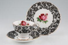 Royal Albert Seniorita pattern
