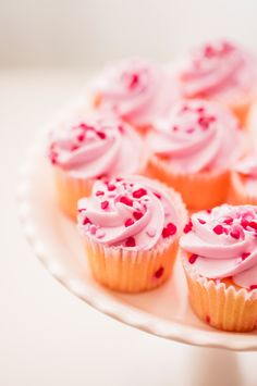 How To Bake The Perfect Cupcake. Love these pink cupcakes for a princess party!