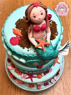 mermaid, little mermaid cake, mermaid cake, mermaid fondant, birthday girl, birthday party, sirenetta, fondant shells,