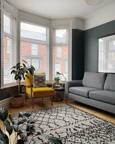 Image may contain: living room, table and indoor - All For House İdeas 1930s Living Room, Victorian Living Room, Living Room Grey, Living Room Sofa, Home Living Room, Living Room Designs, Living Room Decor, Colourful Living Room, Living Room With Fireplace