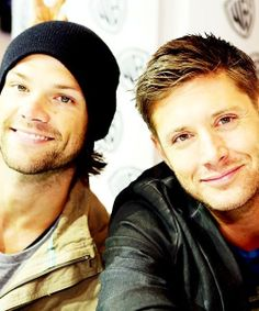 Jared and Jensen Nice to see the Boys Smile @ the same Time =0)