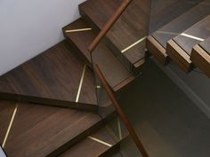 The beautiful staircase decor of the house becomes comfortable - Homemidi Staircase Railing Design, Interior Staircase, Stair Handrail, Stairs Architecture, Staircase Design Modern, Wood Railings For Stairs, Stair Design, Escalier Art, Stair Walls