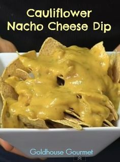 CAULIFLOWER #NACHO CHEESE DIP. No one will guess cauliflower is the secret ingredient. So tasty and so healthy! #vegan