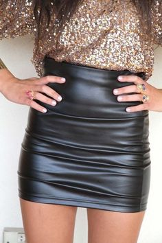 Love the leather skirt & shirt!!~