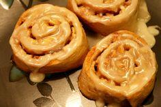 Fat Free Whole Wheat Apple Pie Cinnamon Rolls (140 calories)