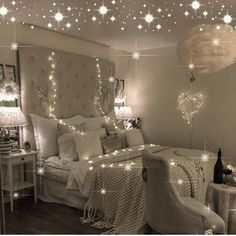 Bedroom lighting can range from basic to bold, and dimmed to dramatic. No matter what, lighting is a key player in your bedroom design. Bedroom lighting inspiration for your sleeping accommodation. Look at our best bedroom interior ideas. Dream Rooms, Dream Bedroom, Cozy Bedroom, Bedroom Decor, Design Bedroom, Bedroom Ideas, Interior Decorating, Interior Design, Interior Ideas