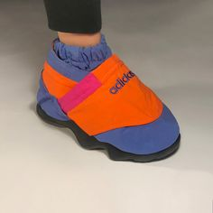 Nicole McLaughlin Debuts New Shoes from Her Insta-Famous Footwear Collection Sup Girl, Shoe Room, Vintage Sportswear, Sport Inspiration, Sock Shoes, Sport Fashion, New Shoes, Nike Air, Clothes