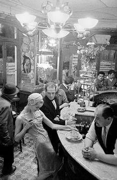 Frank Horvat: The Real Woman La Maison aux Quinze Clés #photography http://sulia.com/channel/photography/f/fd257d5b-d84c-4f4c-96ff-7c919aa98bf8/?pinner=124805973&