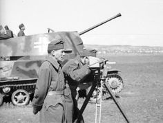 Hungarian officers with a rangefinder at ZSU - pin by Paolo Marzioli War Thunder, Defence Force, Ww2 Tanks, Wwii, Baby Strollers, Armour, Beast, History, Vehicles