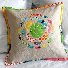 Appliqued cushion with tutorial.