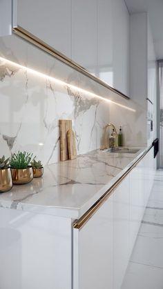 Luxury Kitchen Design, Kitchen Room Design, Home Room Design, Kitchen Cabinet Design, Luxury Kitchens, Home Decor Kitchen, Interior Design Kitchen, Home Kitchens, Gold Kitchen