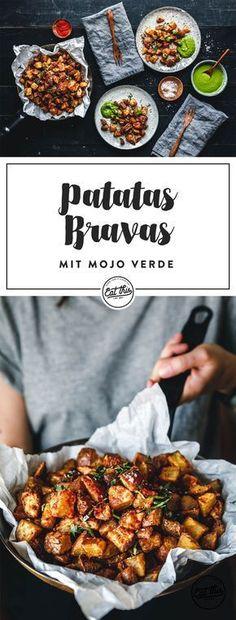 Super-knusprige Patatas Bravas mit frischer, knoblauchiger Mojo Verde. Unsere spanischen Röstkartoffeln sind ein Stückchen gesünder, weil sie gebacken werden. Knusprig sind sie trotzdem – durch einen kleinen Trick!