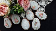 Easter cookies by Medovníčky Lubica Easter Cookies, Gingerbread Cookies, Decorative Plates, Food, Home Decor, Gingerbread Cupcakes, Homemade Home Decor, Ginger Cookies, Meal