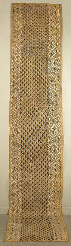The Congo Raffia flat stitching throughout. African Textiles, African Fabric, African Art, African Prints, Fabric Rug, Textile Fabrics, Textile Patterns, Diy Design, Fabric Design
