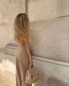 Blonde Curly Hair, Blonde Curls, Hair Inspo, Hair Inspiration, Curly Hair Styles, Natural Hair Styles, Aesthetic Hair, Beige Aesthetic, Aesthetic Outfit