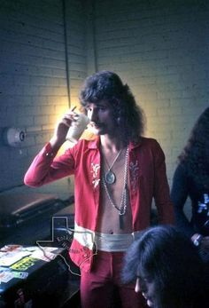 David Byron and Gary Thain, Nov 1972 at Houston Music Hall - Rockin Houston El Rock And Roll, Uriah, Patti Smith, Best Rock, Classic Rock, David Bowie, Rock Music, Hard Rock, Singer