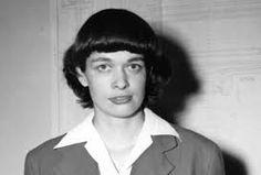 Leona Woods había nacido en La Grange, Illinois, el 20 de octubre de 1919. Fue la primera y única mujer que junto con otros famosos científicos montó el primer reactor nuclear y desarrolló la primera bomba atómica.