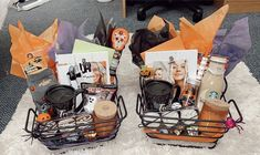 Fall Gift Baskets, Halloween Gift Baskets, Diy Halloween Treats, Halloween Goodie Bags, Halloween Dinner, Halloween Birthday, Halloween Party Decor, Halloween House, Cute Halloween