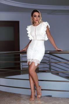 Pamella Ferrari Look Fashion, Fashion Beauty, Fashion Show, Womens Fashion, Casual Dresses, Casual Outfits, Fashion Dresses, Lace Dress, White Dress