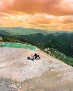 FOCUS ON IT  Viajé a hierve el agua en Oaxaca y admire la infinidad para darme cuenta de que mi existencia es igual de enorme que todo lo que veo  Cascadas petrificadas de hierve el agua   #mexico #visitmexico #oaxaca #travel #viaje #viajes #wanderlust #blogger #vlogger #travelblogger by aquileslara