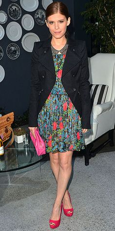 florals- Kate Mara? I like her sister better. BUT this outfit, as long as this blazer is navy, is cool with me.