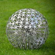 Functional or aesthetic beautiful art for all garden designs, to punctuate, gives a sense of discovery and delight and enhance enjoyment of an outdoor space Stained Glass Panels, Stained Glass Art, Metal Garden Art, Metal Art, Wire Art Sculpture, Sculpture Garden, Metal Sculptures, Landscaping On A Hill, Glass Artwork