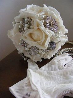 Unique brooch bouquet from Daisy Mae Designs
